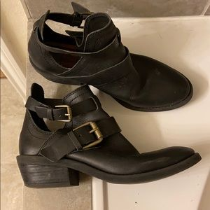 Lucky Brand side cutout booties